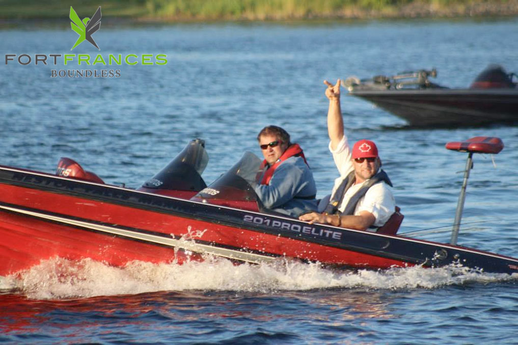 Fort Frances Canadian Bass Tournament, travel by boat rainy lake in Fort Frances ontario